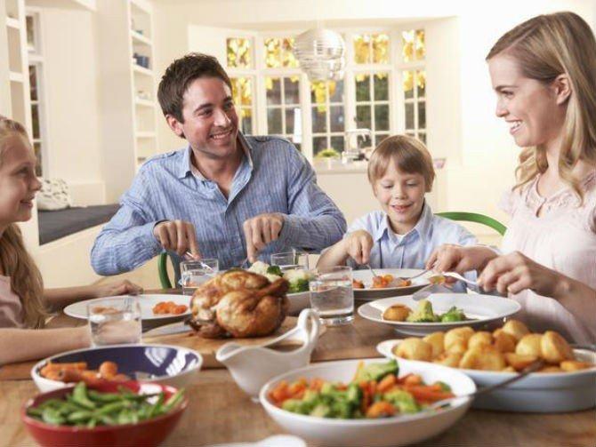 Cómo mejorar tus modales en la mesa